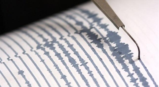 Terremoto, continua lo sciame sismico. Paura e verifiche