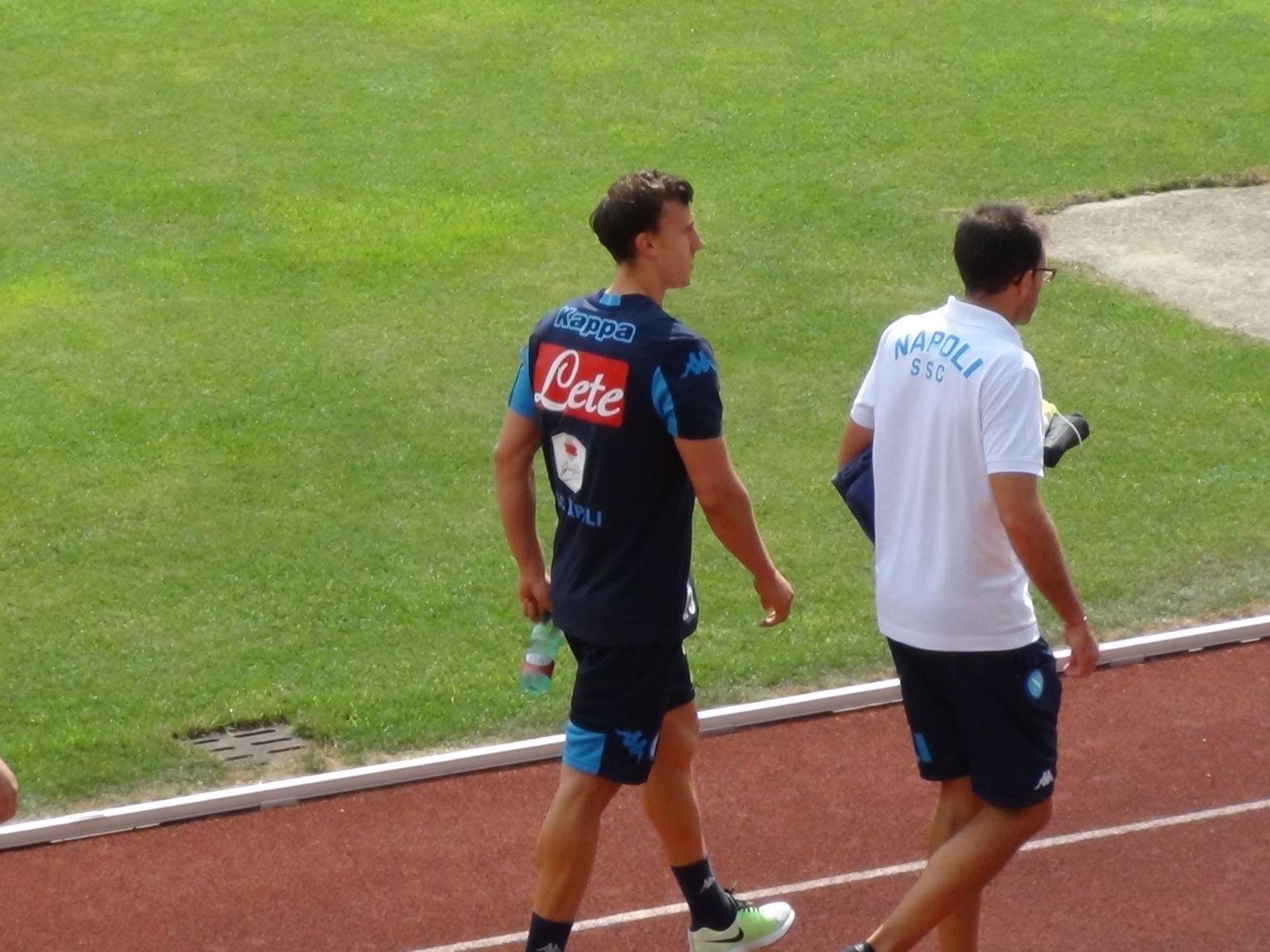 http://www.calcionapoli24.it/thumbs/allegati/large/1438159261_382.jpg